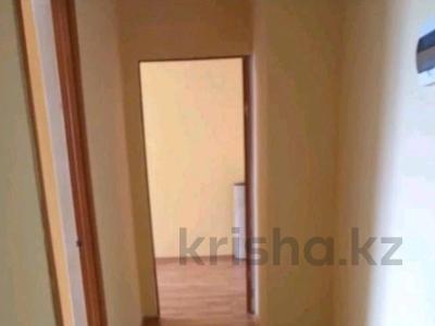 3-комнатная квартира, 76 м², 5/6 этаж помесячно, 33 мкр 30 за 90 000 〒 в Актау — фото 2