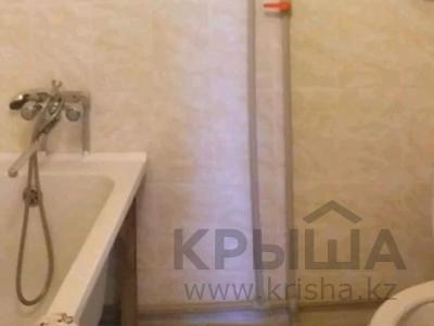 3-комнатная квартира, 76 м², 5/6 этаж помесячно, 33 мкр 30 за 90 000 〒 в Актау — фото 7