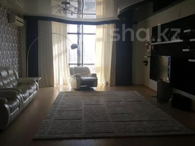3-комнатная квартира, 200 м², 7/9 этаж на длительный срок, 14-й мкр 58 за 350 000 〒 в Актау, 14-й мкр