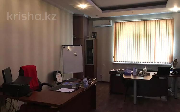Офис площадью 130 м², Динмухамеда Конаева за 450 000 〒 в Шымкенте