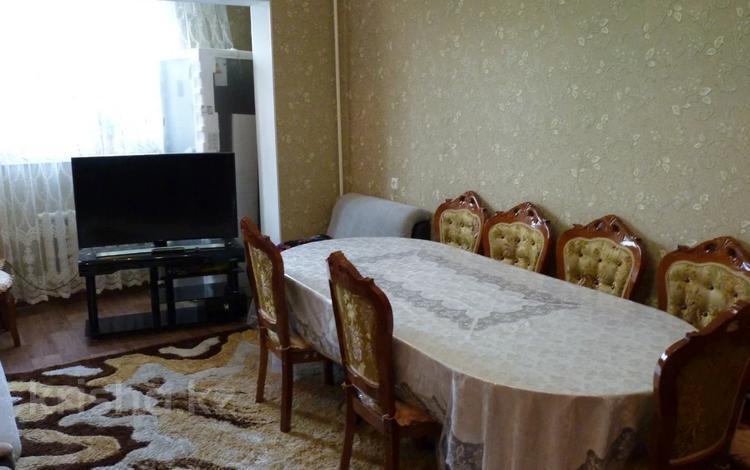 3-комнатная квартира, 70 м², 2/3 этаж, 21 мкр за 20.5 млн 〒 в Шымкенте, Аль-Фарабийский р-н