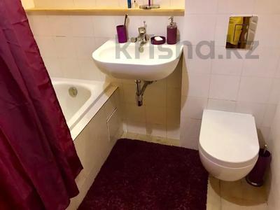 3-комнатная квартира, 75 м², 1/5 этаж посуточно, Валиханова — Жибек Жолы за 13 000 〒 в Алматы — фото 6