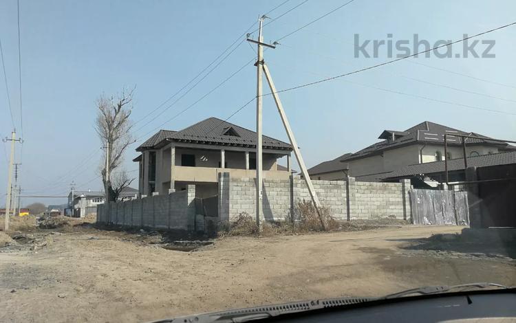 7-комнатный дом, 450 м², 8 сот., мкр Думан-2, Бесагаш — Суюнбая за 45 млн 〒 в Алматы, Медеуский р-н