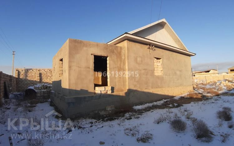 5-комнатный дом, 200 м², 1000 сот., Мкр Рахат 2 11 129 за 10 млн 〒 в Жанаозен