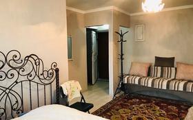 1-комнатная квартира, 34 м² посуточно, Мангилик ел 15 — Чайжунусова за 5 000 〒 в Семее