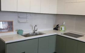 2-комнатная квартира, 86 м², 15/21 этаж помесячно, Бухар Жырау 20Б за 240 000 〒 в Нур-Султане (Астана), Есиль р-н