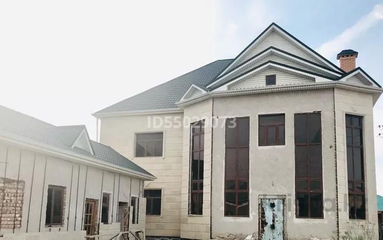 9-комнатный дом, 420 м², 9 сот., Ажарова угл. Е.Хан за 53 млн 〒 в