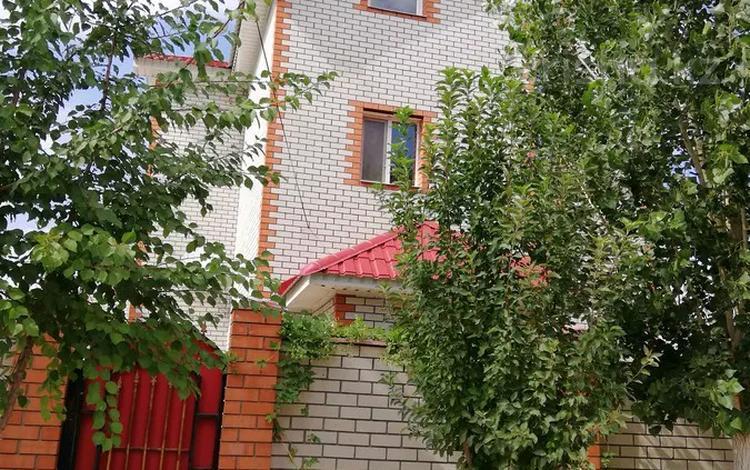 6-комнатный дом, 409 м², 6 сот., Сельмаш-1 10 А за 40 млн 〒 в Актобе