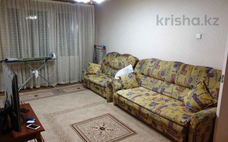 3-комнатная квартира, 65 м², 2/5 этаж, Мкр Аксай-2 за 22 млн 〒 в Алматы