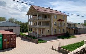 12-комнатный дом помесячно, 1000 м², 25 сот., мкр Акбулак, Бектемисова 1 за 990 000 〒 в Алматы, Алатауский р-н