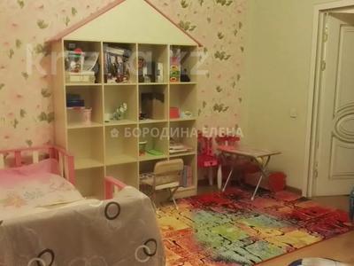 4-комнатная квартира, 138 м², 3/15 этаж, Новои — Жандосова за 59.6 млн 〒 в Алматы, Ауэзовский р-н — фото 9