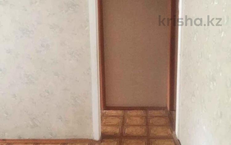 3-комнатная квартира, 58 м², 1/4 этаж, мкр №6, Мкр №6 40 за 18.2 млн 〒 в Алматы, Ауэзовский р-н