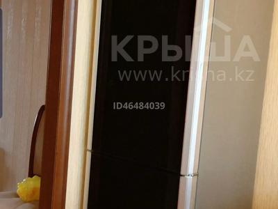 2-комнатная квартира, 57 м², 4/5 этаж помесячно, Шашубая 8 — Караменде би за 80 000 〒 в Балхаше — фото 3