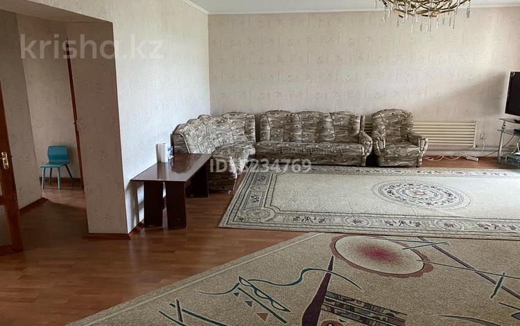 3-комнатная квартира, 107 м², 5/5 этаж, Айтиева 8 — Айтеке би за 22 млн 〒 в Таразе