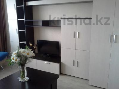 2-комнатная квартира, 46 м², 2/5 этаж посуточно, Комиссарова — Ержанова за 11 000 〒 в Караганде