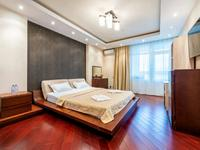 3-комнатная квартира, 115 м², 5/8 этаж посуточно, Кабанбай батыра 60/20 за 20 000 〒 в Нур-Султане (Астане), Есильский р-н