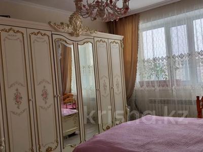 3-комнатная квартира, 86 м², 8/14 этаж, Кайыма Мухамедханова 17/1 за 32 млн 〒 в Нур-Султане (Астана), Есиль р-н