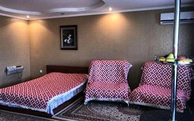 1-комнатная квартира, 60 м², 2/5 этаж посуточно, улица Мира 30 за 6 000 〒 в Жезказгане