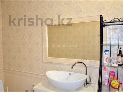 7-комнатный дом, 260 м², 10 сот., Саттара Ерубаева за 36.8 млн 〒 в Нур-Султане (Астана), Есиль р-н — фото 6