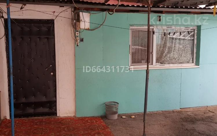 4-комнатный дом, 40 м², 4 сот., Франко за 15.2 млн 〒 в Алматы, Турксибский р-н