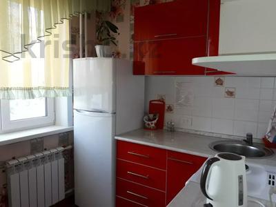 1-комнатная квартира, 36 м², 3/5 этаж посуточно, проспект Ауэзова 37 — Утербаева за 6 000 〒 в Семее — фото 4
