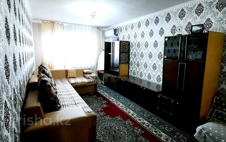 2-комнатная квартира, 60 м², 5/5 этаж помесячно, 12-й микрорайон, 12-й микрорайон 229а — Сайрамская за 140 000 〒 в Шымкенте, Енбекшинский р-н