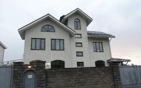 10-комнатный дом помесячно, 600 м², 9 сот., мкр Коктобе, Жанибекова за 1.5 млн 〒 в Алматы, Медеуский р-н