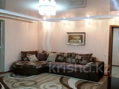 3-комнатная квартира, 90 м², 8/10 этаж посуточно, проспект Шакарима 38 за 15 000 〒 в Семее — фото 11