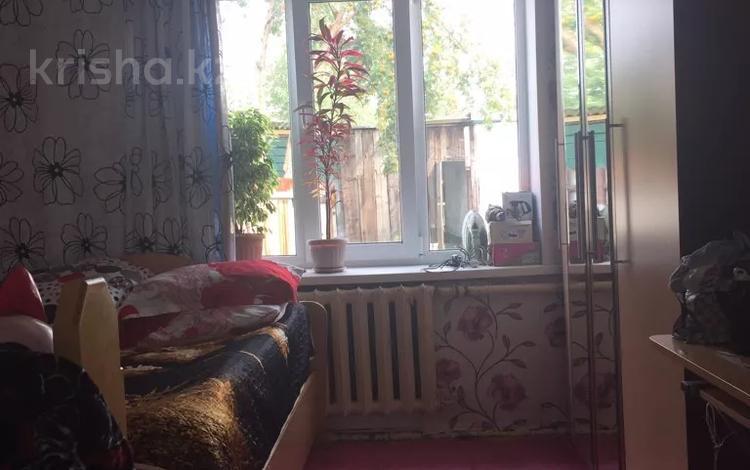 2-комнатный дом, 32 м², Защита 7 за 4.2 млн 〒 в Усть-Каменогорске