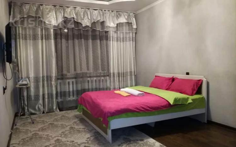1-комнатная квартира, 45 м², 5/9 этаж по часам, мкр Жетысу-2, Мкр. Жетысу-2 — Саина за 1 000 〒 в Алматы, Ауэзовский р-н