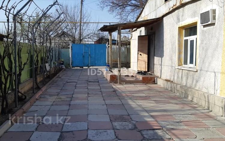 5-комнатный дом, 50 м², 8 сот., Алатау 17 — Тәуке хан за 17 млн 〒 в Шымкенте, Енбекшинский р-н
