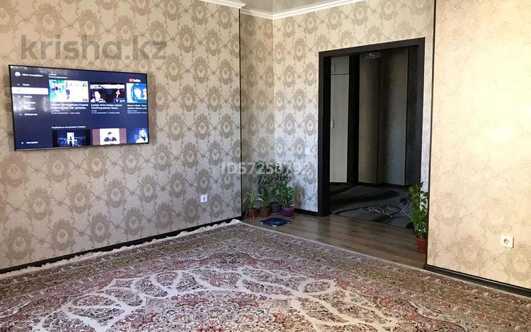 3-комнатная квартира, 75 м², 8/12 этаж, 33 мкр 20 за 16 млн 〒 в Актау
