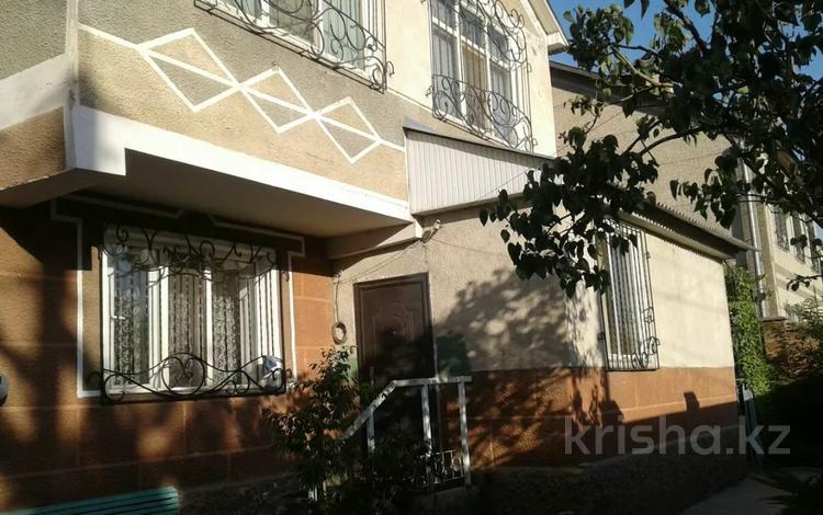 8-комнатный дом, 210 м², 6.5 сот., Проезд Комратова 13а — Комратова за 41 млн 〒 в Таразе
