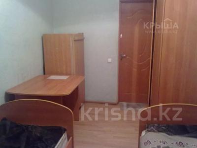 1 комната, 30 м², Крамского 27 — Ермекова за 36 000 〒 в Караганде, Казыбек би р-н