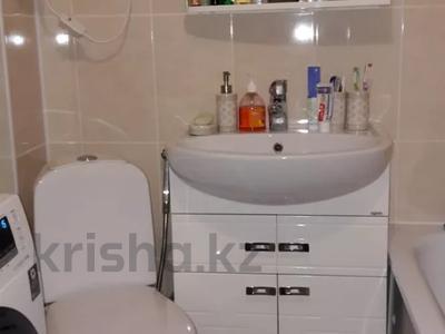 1-комнатная квартира, 31 м², 3/5 этаж, 14 мкр за 4.8 млн 〒 в Караганде, Казыбек би р-н — фото 3