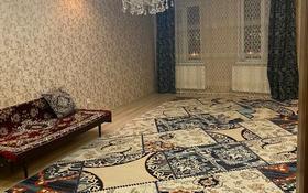 2-комнатная квартира, 84 м², 9/9 этаж помесячно, Жарбосынова 71 за 160 000 〒 в Атырау