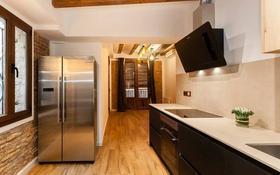 5-комнатная квартира, 107 м², 2/4 этаж, Correu Vell 6 за 257.5 млн 〒 в Барселоне