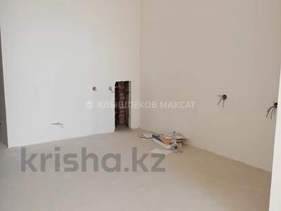 3-комнатная квартира, 121.5 м², 8/18 этаж, Кенесары 4 за 31.4 млн 〒 в Нур-Султане (Астане), Сарыарка р-н