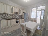 3-комнатная квартира, 130 м² на длительный срок, Аль Фараби 21/9 за 500 000 〒 в Алматы