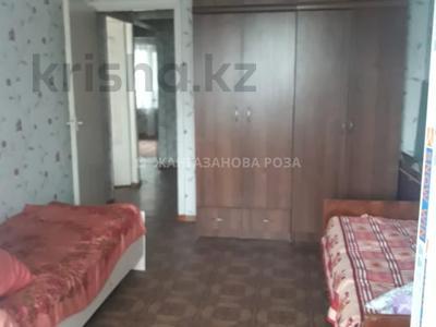 3-комнатная квартира, 68 м², 1/5 этаж, мкр Аксай-3А, Мкр Аксай-3А за 23 млн 〒 в Алматы, Ауэзовский р-н — фото 2