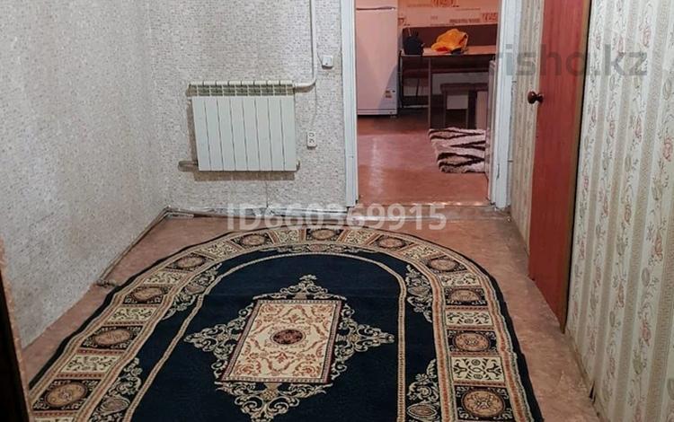 4-комнатный дом помесячно, 80 м², 7 сот., проспект Суюнбая 491 — 13 военный городок за 130 000 〒 в Алматы, Турксибский р-н