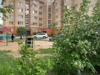 3-комнатная квартира, 86 м², 3/5 этаж на длительный срок, мкр 5, проспект Абая 17В за 150 000 〒 в Актобе, мкр 5