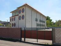 Здание, площадью 1091 м²