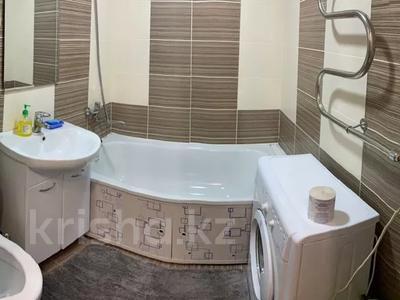 1-комнатная квартира, 30 м², 1/5 этаж посуточно, Пичугина — Абдирова за 6 000 〒 в Караганде, Казыбек би р-н — фото 3