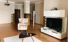 4-комнатная квартира, 130 м², 8/28 этаж помесячно, Желтоксан 2 за 230 000 〒 в Нур-Султане (Астана)