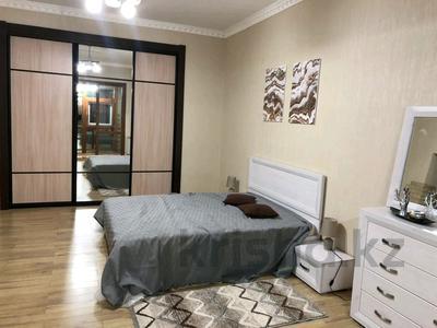 4-комнатная квартира, 130 м², 8/28 этаж помесячно, Желтоксан 2 за 280 000 〒 в Нур-Султане (Астане)