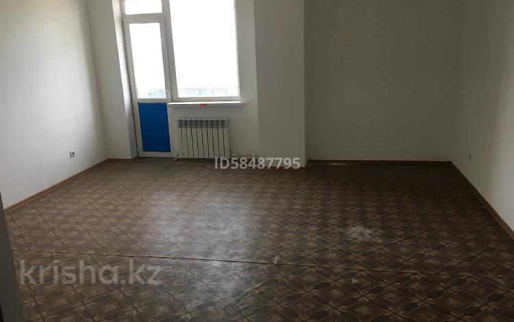 3-комнатная квартира, 90 м², 5/10 этаж, проспект Республики 1/2 за 16.5 млн 〒 в Караганде, Казыбек би р-н