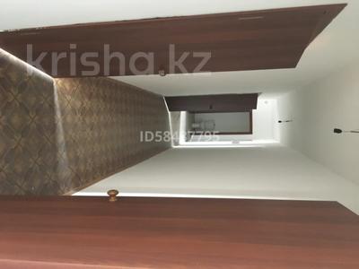 3-комнатная квартира, 90 м², 5/10 этаж, проспект Республики 1/2 за 17 млн 〒 в Караганде, Казыбек би р-н — фото 8