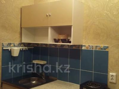 1-комнатная квартира, 36 м², 3/5 этаж посуточно, Бектурова 71 за 3 500 〒 в Павлодаре — фото 6