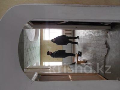 4-комнатный дом, 194 м², Пролетарская 12/1 за ~ 2.3 млн 〒 в Алтае — фото 2